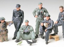 Tamiya 35201 German Crew at Rest, 1/35