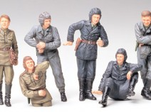 Tamiya 35214 Russian Army Tank Crew at Rest, 1/35