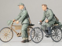 Tamiya 35240 German Soldiers with Bicycles, 1/35