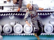 Tank T-35091 Escaping German tank crew #2. Summer 41-44. Two figures. 1/35