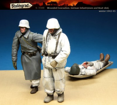 Stalingrad S-3588 Wounded Evacuation. German Infantrymen and boat-sled, 1942-45 1/35